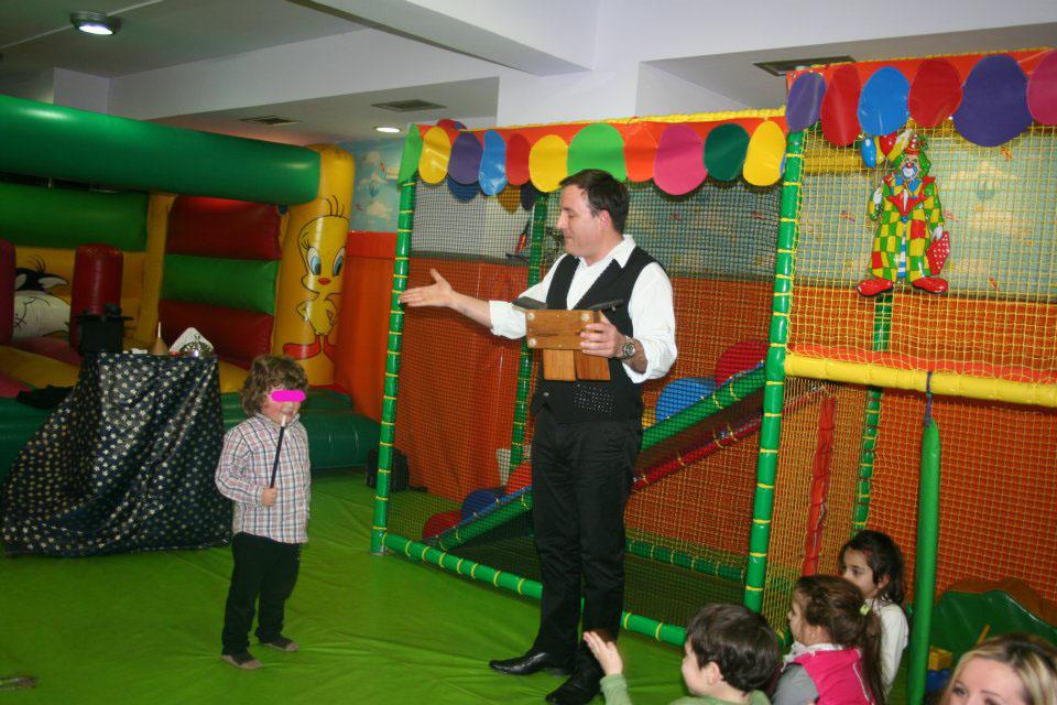 παιδικα παρτυ με ταχυδακτυλουργο